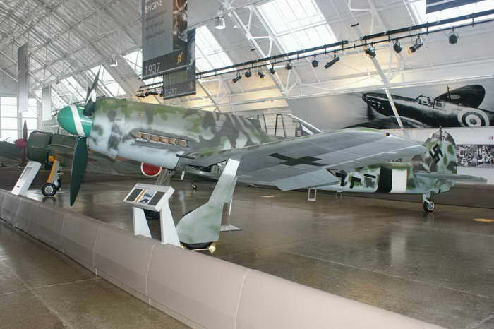 Fw 190D-13 Walk Around