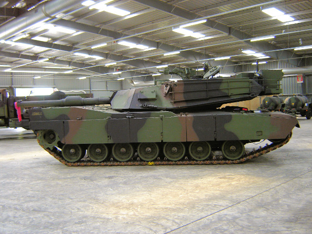 M1A1 Abrams Walk Around