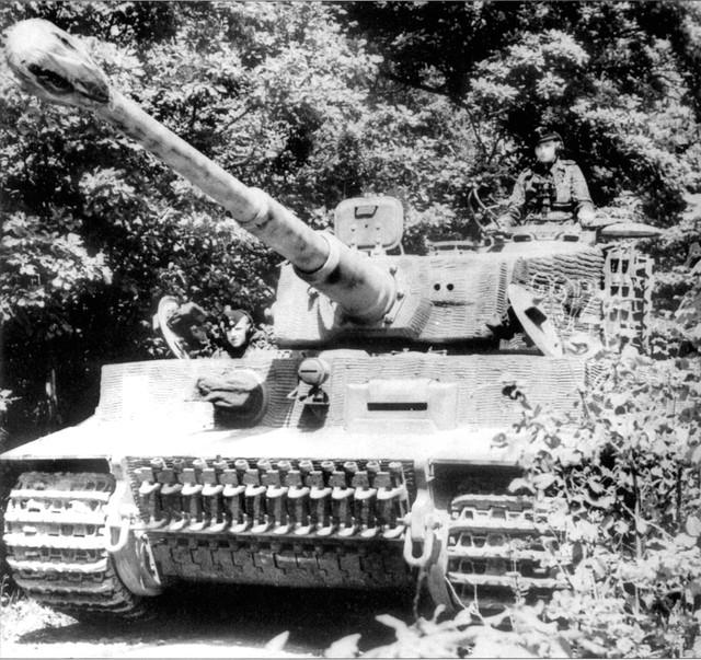 http://warwall.ru/bronya/PzKpfw_VI_Tiger-46-.jpg