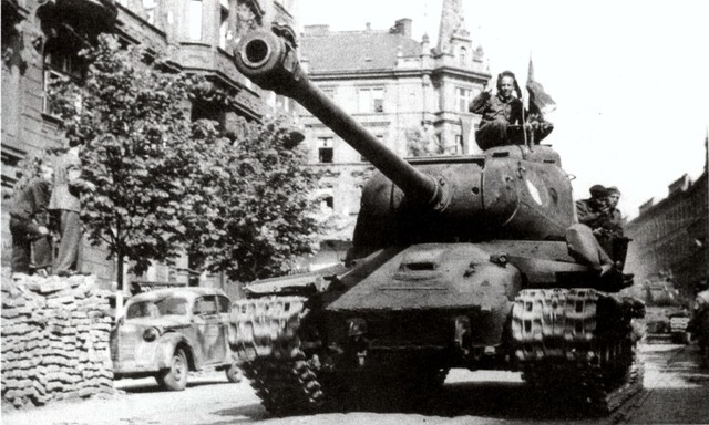 http://warwall.ru/bronya/is-2/tjazhjolyj_tank_is-2-2.jpg