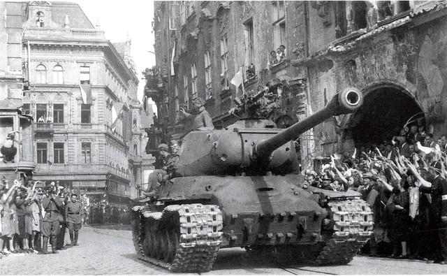 http://warwall.ru/bronya/is-2/tjazhjolyj_tank_is-2-21.jpg