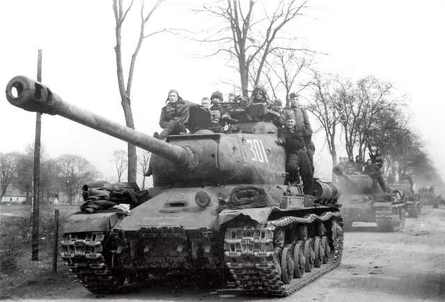 http://warwall.ru/bronya/is-2/tjazhjolyj_tank_is-2-33.jpg