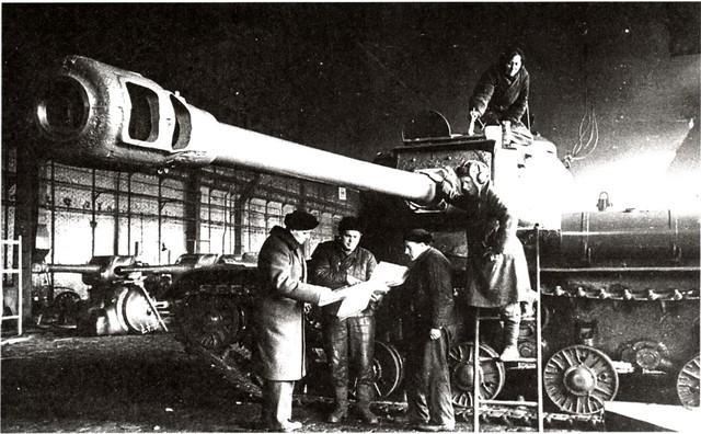 http://warwall.ru/bronya/is-2/tjazhjolyj_tank_is-2-44.jpg
