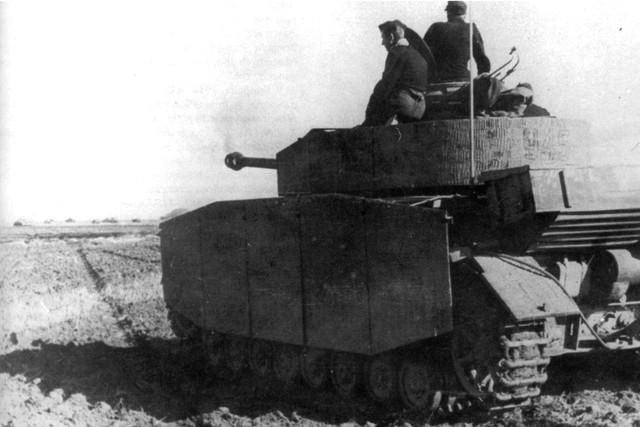 http://warwall.ru/bronya/srednij_tank_pzkpfw_iv-33.jpg