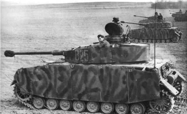 http://warwall.ru/bronya/srednij_tank_pzkpfw_iv-48.jpg