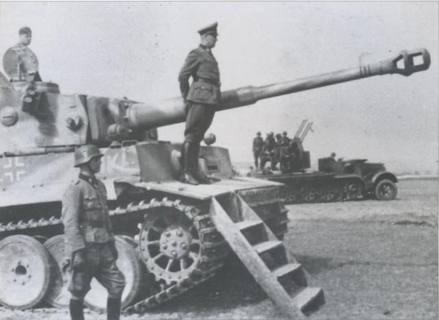 http://warwall.ru/bronya/tiger/PzKpfw_VI-71-.jpg